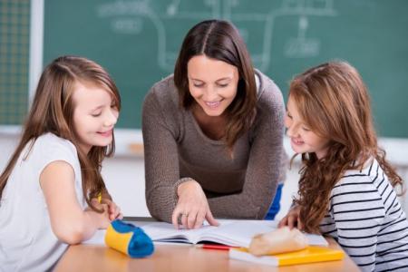 Школи не переводять на обов'язкову дистанційну форму навчання